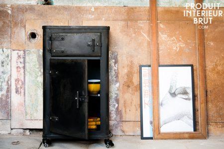 Du beau meuble industriel vous attend chez...