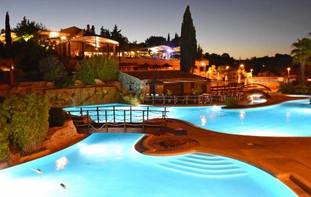 Domaine de la Bergerie : un camping 5 étoiles Var avec parc aquatique…